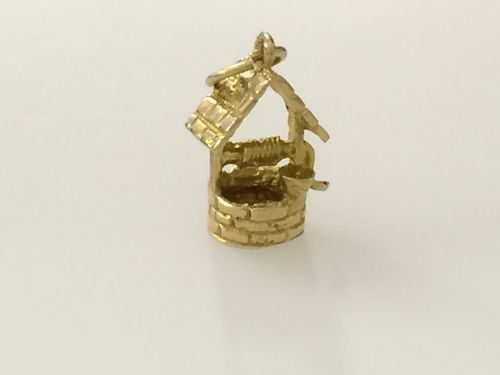 Gold Wishing Well Charm